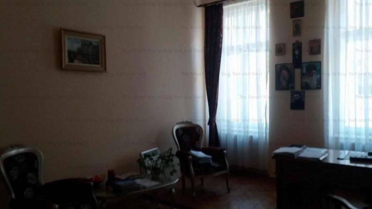 Vand apartament 4 camere Centru