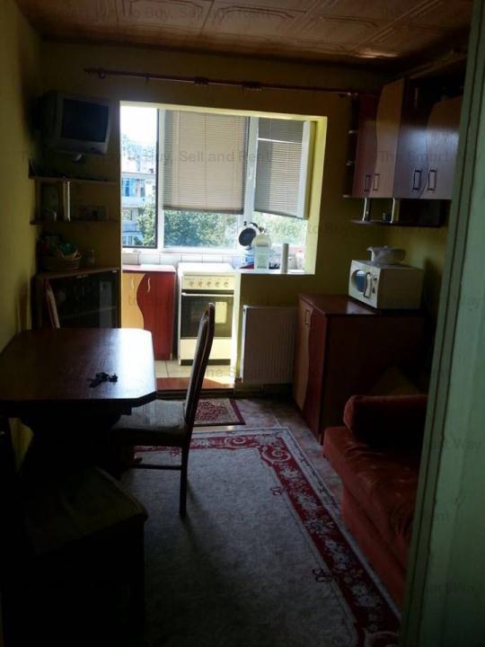 Vand apartament 2 camere semidecomandat Marasti