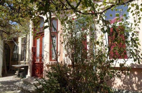 Casa 3 camere, zona Ultracentrala, ideal bicou