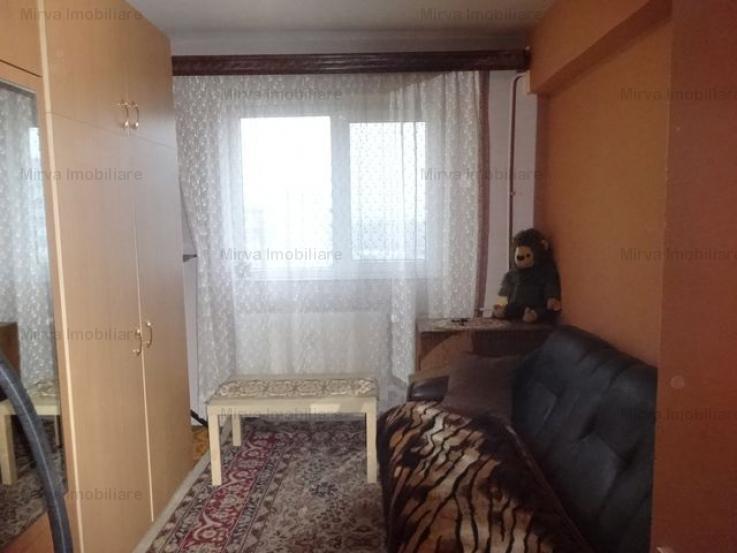 Vanzare apartament 4 camere, decomandat, zona B-dul.Bucuresti