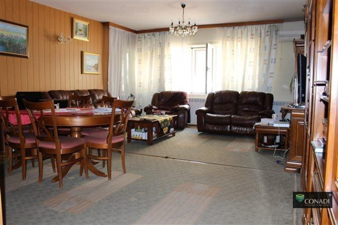 Dorobanti - Floreasca: Apartament duplex in vila