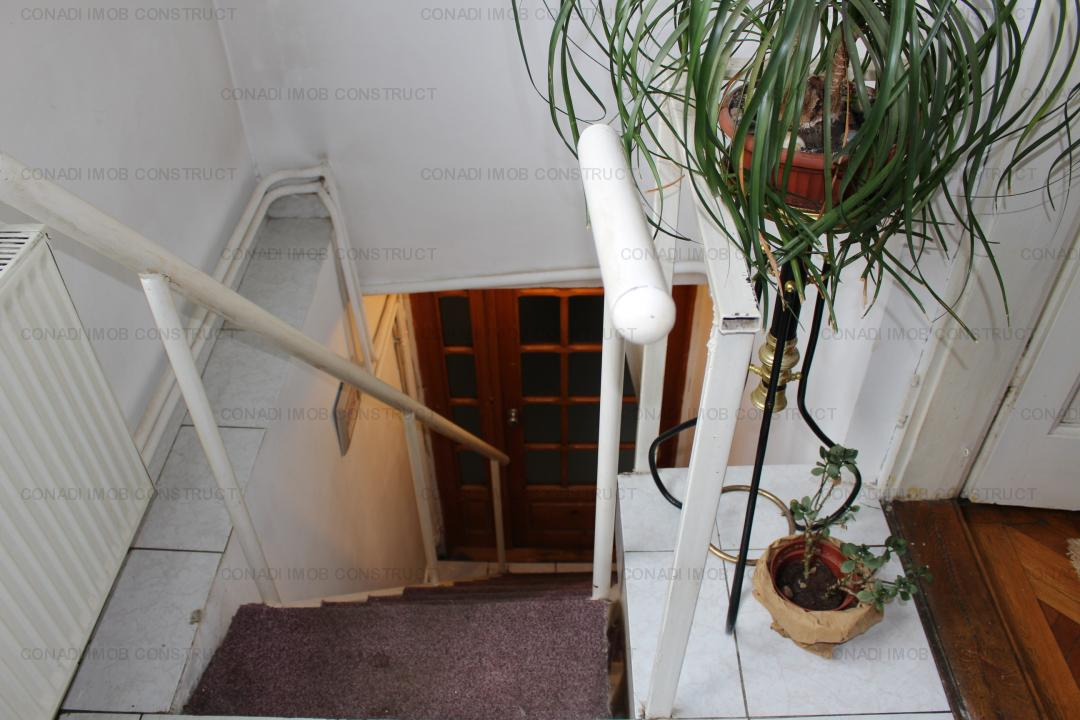 Piata Dorobanti - apartament in vila, parter inalt