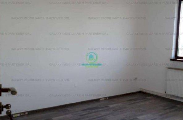 Vanzare apartament 4 camere in vila Pitesti Geamana