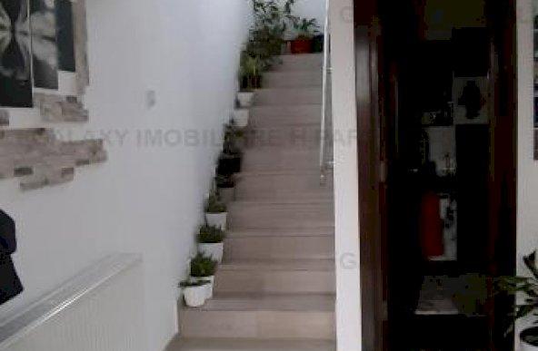 Vanzare casa tip duplex la Geamana Bradu la 800m de sens