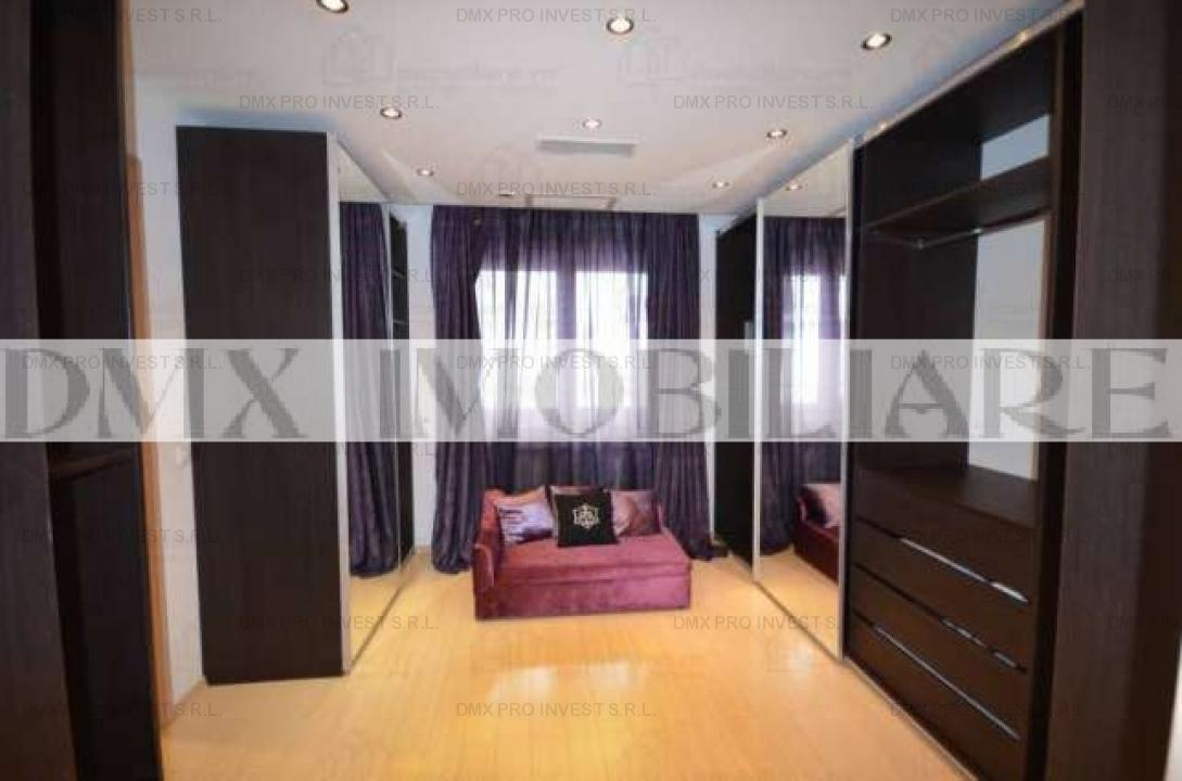 Apartament 4 camere, decomandat, Unirii