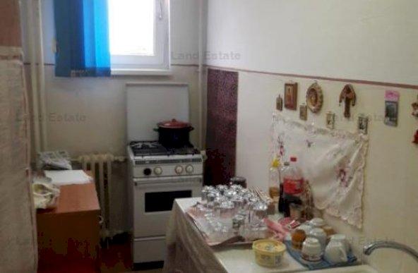 Garsoniera in bloc mixt, zona Iuliu Maniu