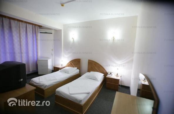 Hotel de vanzare