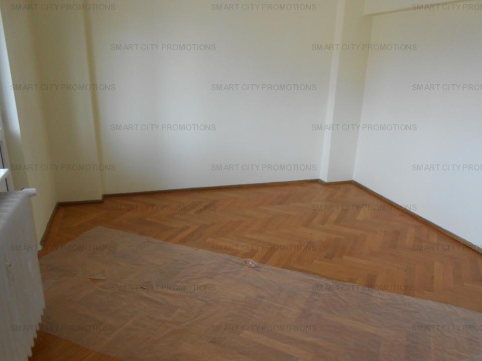 SE VINDE Apartament  5 camere DOROBANTI
