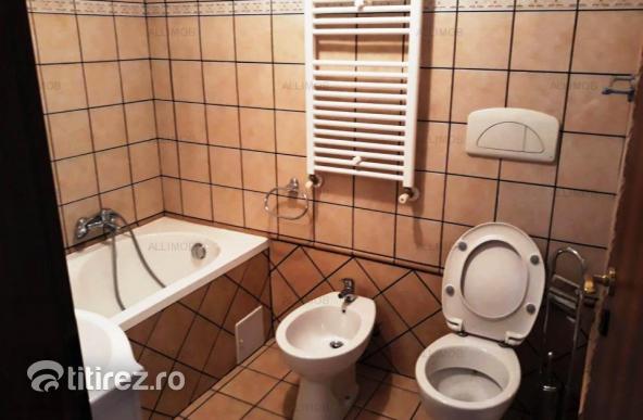 Casa 5 camere in Bucov