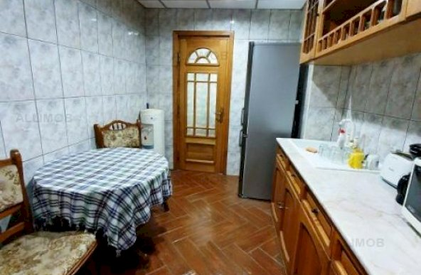 Apartament 2 camere zona Piata Mihai Viteazul