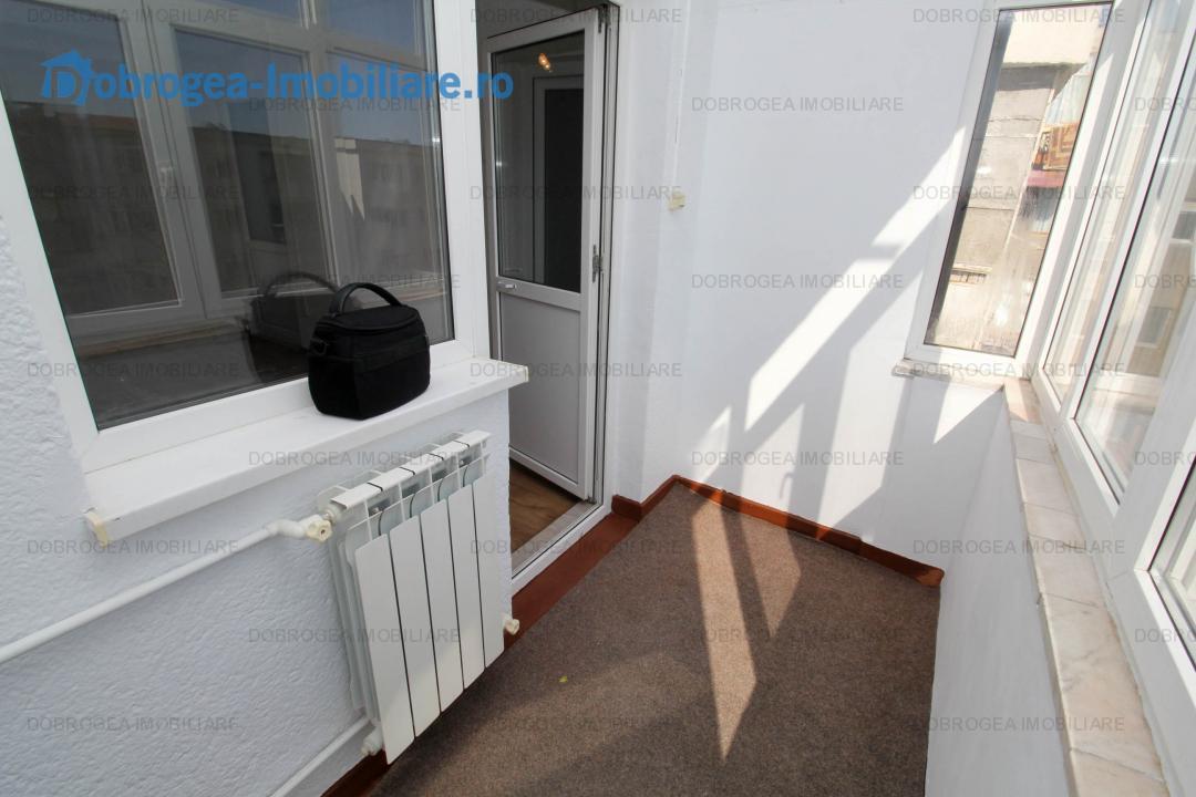 Dallas, garsoniera decomandata, recent renovata, balcon spatios
