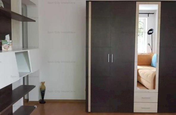 Apartament 3 camere semidecomandat,mobilat si utilat modern,2 locuri de parcare,Favorit