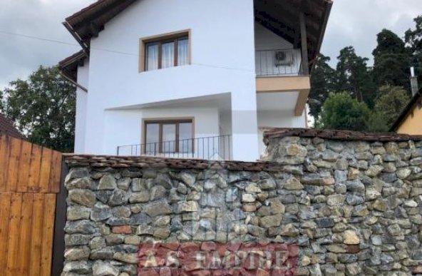 Casa/vila/pensiunea teren 1215 mp - zona Sacele