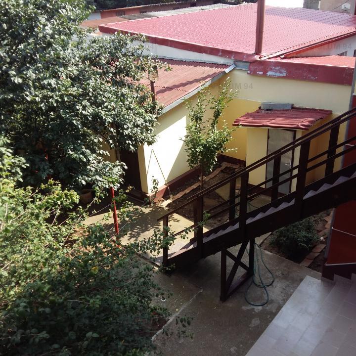 Vanzare Casa/Vila 6 camere ,zona Giulesti ,strada Craiovei Intr. ,nr 29 ,285.000 €