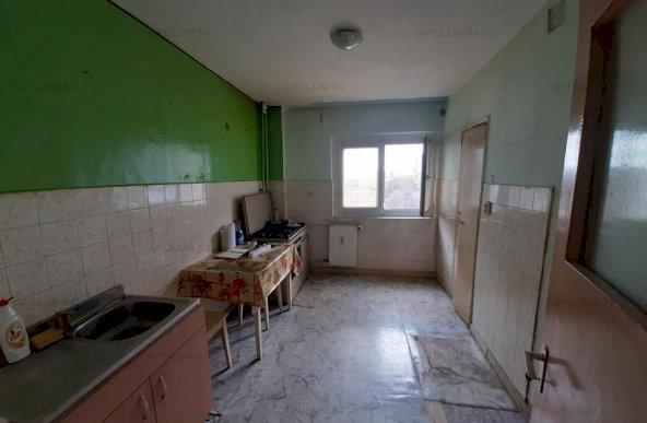 Iuliu Maniu, Politehnica, 2 camere, decomandat, 55mp, etaj 6 din 10, necesita renovare