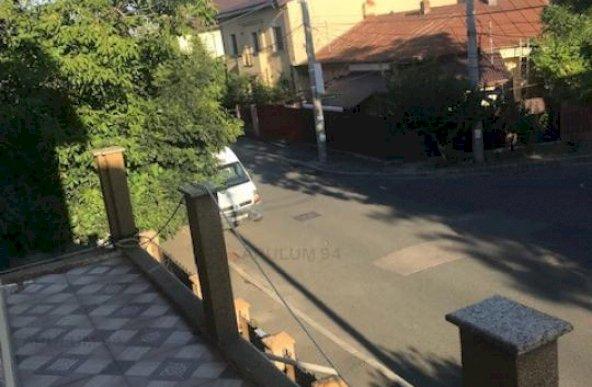 Vanzare Casa/Vila 8 camere ,zona Drumul Sarii ,strada Gheorghe Cutui ,nr 7 ,550.000 €
