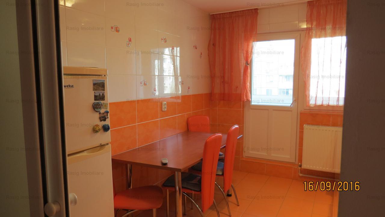 APARTAMENT  4 camere, situat in zona Barca