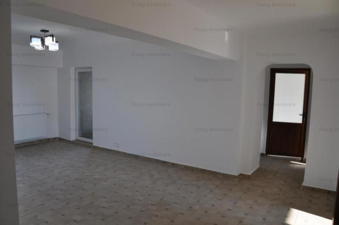 Apartament 4 camere in piata Victoriei
