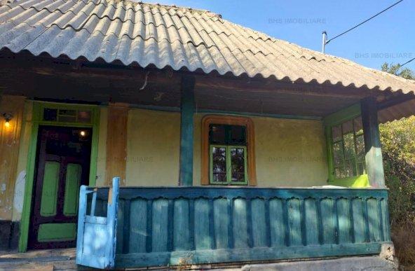 Casa Batraneasca , Teren 2700 mp, Comuna Barla, Jud. Arges