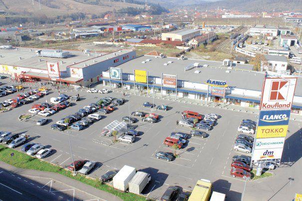 Apare un nou tip de mall în România, special pentru oraşele mici